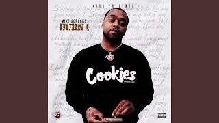 Snoop Dogg House (feat. Lil Jones)
