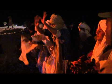Guys with turbans dancing in Taragalte Festival 2012 – part 1, Mhamid Sahara Morocco