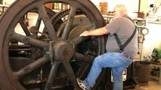 Starting a large Stationary Engine with Lauren Langdon at the Antique Implement Society