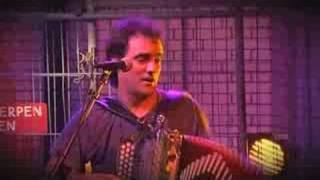 La Troba Kung-Fú - Cumbia infierno (Live)
