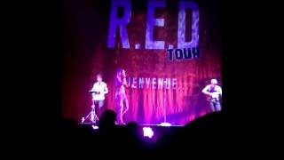Tenny - Plus Jamais (Extrait), sur la scène du R.E.D Tour