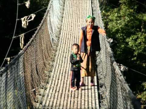 Nepal, Lantang Trek and Chitwan Safari. By Amigo Adventures