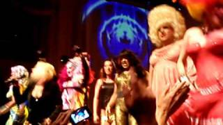 Cyndi Lauper - Girls Just Want To Have Fun (w/ drag queens - Live in SF @ Energy 92.7) 2008