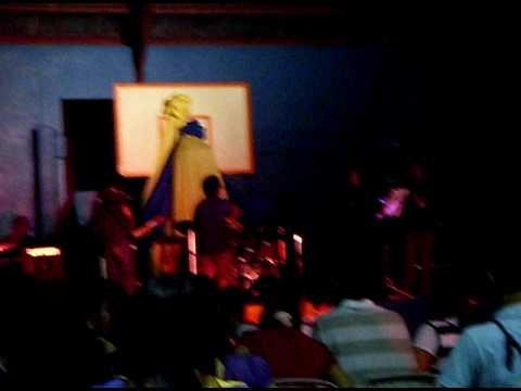 Download Video CamFrog Band..^_^ Xmas Party @ STI Sta.Rosa (2 Trick Pony)