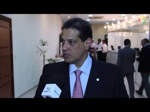 Imagem post: Presidente da Fenacor, Armando Vergílio em palestra no II Conseg