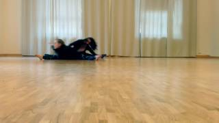 ",,Dead body"" floor work choreo"