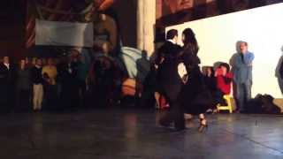 Alexander Sossa y Anel Marrón bailando Forró em Santa Luzia
