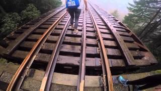 HIKING TO TRAIN TRESSEL