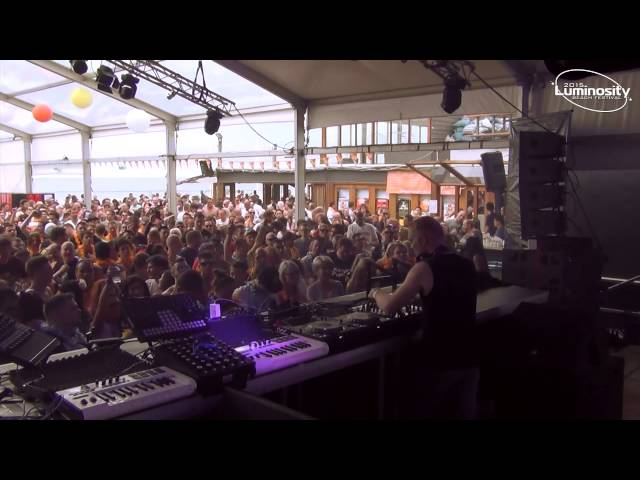 DJ set de Solarstone en en Luminosity Beach Festival (2015).