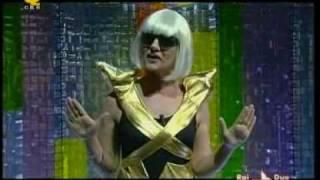 Lady Gaga Paparazzi Lucia Ocone  a Quelli che il calcio e...
