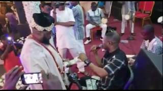 Yinka Ayefele Serving Himself With Ooni Of Ife's 100 Dollar Bills At A Party