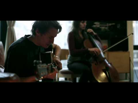 ben-howard-old-pine-live-benhowardmusic