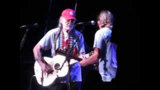 Willie and Lukas Nelson - Just Breathe - Pearl Jam