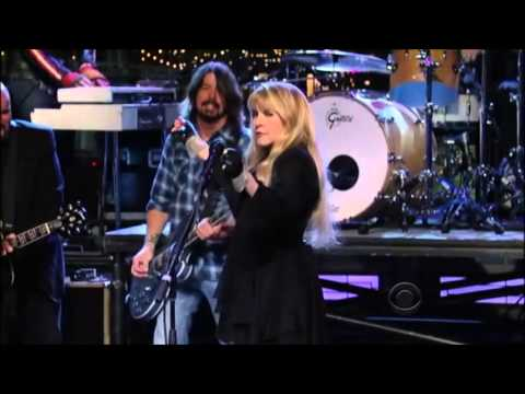 stevie-nicks-dave-grohl-sound-city-players-you-cant-fix-this-letterman-pearljamfan2012