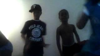 boys dancing to look @ me now