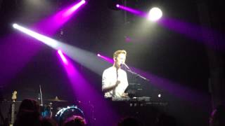 """Thomston - """"Saint Claude (Christine And The Queens cover)"""" at Les Etoiles, Paris, 13.05.2015"""