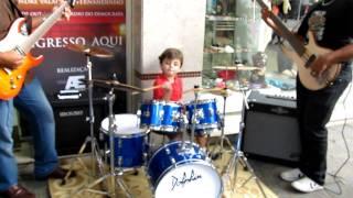 DANCAR NA CHUVA -Fernandinho- por joao vitor