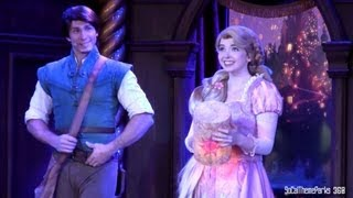 "[HD] Rapunzel & Flynn Rider ""I See The Light"" Live at Disneyland"