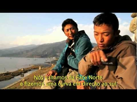 """The ultimate descent"" – salto histórico de paraglider do Evereste"