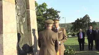 Ceremonia de homenaje a los caídos en el Memorial de la Loma de San Juan (Santiago de Cuba)