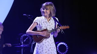 Grace VanderWaal Takes the Stage with 'Moonlight'