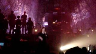 "Florence + The Machine - ""Drumming Song"" live @ Hammersmith Apollo - 13 May '10"