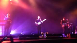 Alt-J - Matilda (live Zenith, Paris, 4/2/2015) (HQ)