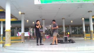 Saxophone X Beatbox at Merdeka Walk Medan, they're playing BJ.1 Music