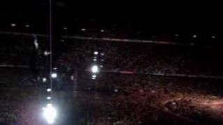 U2 - New Year's Day (Vertigo Tour 2005in BCN)