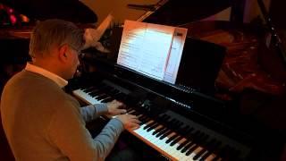 Aycan Teztel on piano