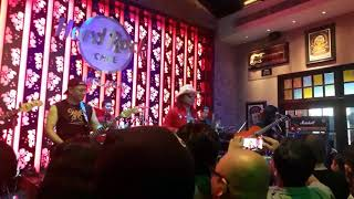 Bumi Putra Rockers 30 Anniversary at Hard Rock Cafe Melaka 28/10/17( Aku Hanya Serangga )🤘