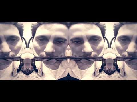 La Del Estribo Feat Apache de Canserbero Letra y Video