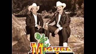 MIGUEL Y MIGUEL CON CARTITAS.