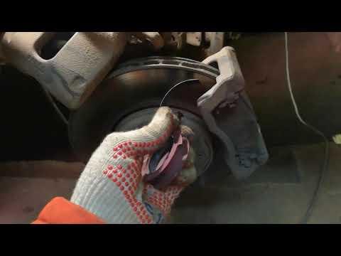 Устранение стука в передней подвеске Лада Ларгус, ремонт суппорта.