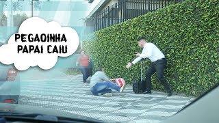 Pegadinha -  Papai caiu