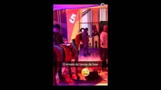Carolina Deslandes no Snapchat do 5 para a meia noite