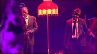 Amy Winehouse-Me And Mr Jones (live Glastonbury 2007)