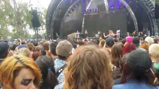 Kali Uchis -  Loner [LIVE] @ Beach Goth Fest 2016