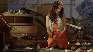 Giovana - Promesas De Cartón - Video Oficial