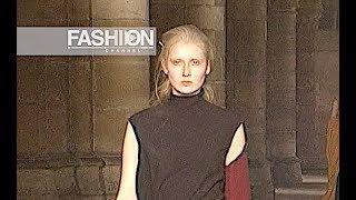 DRIES VAN NOTEN Fall 1999 2000 Paris - Fashion Channel