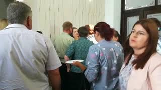 Fată leşinată la vizita lui Victor Ponta de la Botoşani