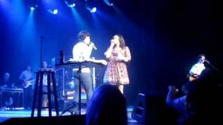 Jonas Brothers and Jordin Sparks- No Air Live at the Ryman
