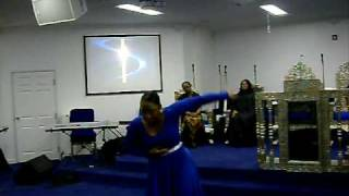 PRAISE DANCE TO COVER ME BY 21:03 PERFORMED BY TIERRA MOSS FROM DIVINE EXPRESSIONS OF WORSHIP