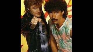 Hall & Oates - Did It In a Minute