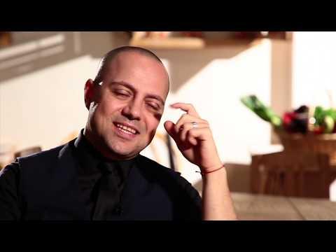 Politică şi delicateţuri cu actorul de stand-up comedy Dan Badea