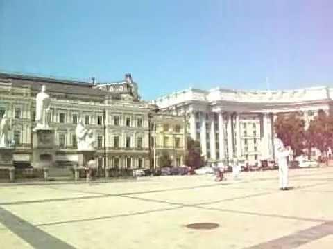 KIEV , MONASTERIO DE LAS CUPULAS DORADAS