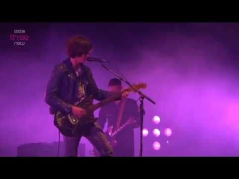 arctic-monkeys-mardy-bum-live-t-in-the-park-2011-fred-zavala-tovar