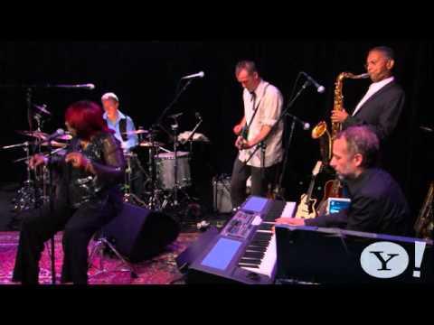 hugh-laurie-st-james-infirmary-2011-new-yahoo-music-natasell