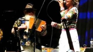 Hermeto Pascoal e Aline Morena live in Jazz n´Gaia 2010 - GARROTE