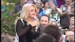 Bonnie Tyler   Holding Out For A Hero Live 2011